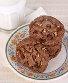 Chocolate Chip Cookies and Mild — Stock Photo
