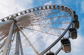 Large ferris wheel against clear blue sky — Stock Photo