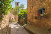 Italian medieval town of Civita di Bagnoregio, Italy — Stock Photo