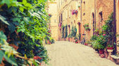 Old street in Pienza, a Renaissance town in northern Tuscany, It — Stock Photo