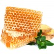 Honeycomb  with mint and ginger — Stock Photo