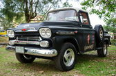 Chevrolet Apache classic pickup truck — Stock Photo