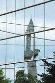 Macedonia, skopje, odbicie minaret — Zdjęcie stockowe