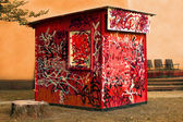 Tagged shed — Stockfoto