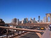 曼哈顿市中心如见从布鲁克林大桥 — 图库照片