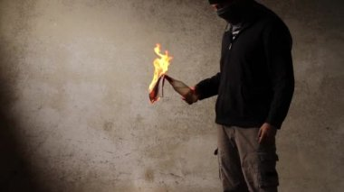 Man with cocktail Molotov — Stock Video