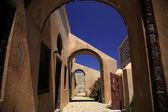 Through the arches — Stock Photo