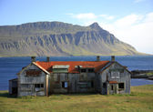 Verlassene gebäude island — Stockfoto