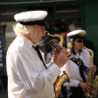 Man playing Clarinet at Street Festival — Lizenzfreies Foto