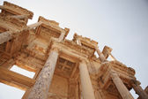 Looking up at the details of Celsus Library Ephesus — Stock Photo