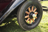 Old fashioned wooden wheel — Photo