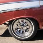 Chrome wheel of an old American car Cuba — Stock Photo #31238623