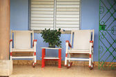 Two rocking chairs on the porch — Stock Photo