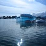 Beautiful blue iceberg — Stock Photo #32669853
