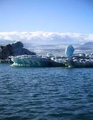 Precarious iceberg — Stock Photo
