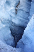 Blue icy crevasse — Stock Photo