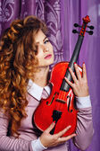 Fille et violon — Photo
