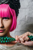 Fashionista with beads — Stock Photo