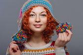 针织帽的女孩 — 图库照片