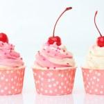 Valentine cupcakes — Stock Photo #41259611
