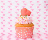 Cupcakes with heart — Stock Photo