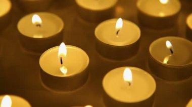 Pozadí světla svíčky, hořící svíčka světelné dekorace — Stock video