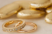 Wedding favors and ring — Stockfoto