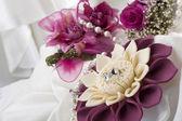 Flor y anillos de boda — Foto de Stock