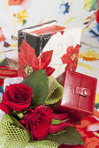 Flowers and box jewelry — Stock Photo