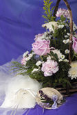 Weeding Favors ,wedding rings and flowers — Stock Photo