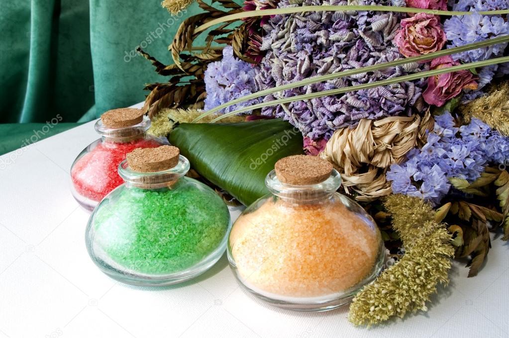 Sali da bagno colorati 3 foto stock photofollies 29404765 - Sali da bagno colorati ...