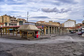 A square in Florina, a popular winter destination in northern Greece, on an overcast day — Stock Photo