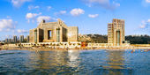 Haifa. Panoramic view from the sea over beach Carmel and hotels. — Stock Photo