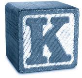 Fotografia di legno blocco blu lettera k — Foto Stock