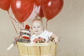 Geburtstagskind mit sock monkey — Stockfoto