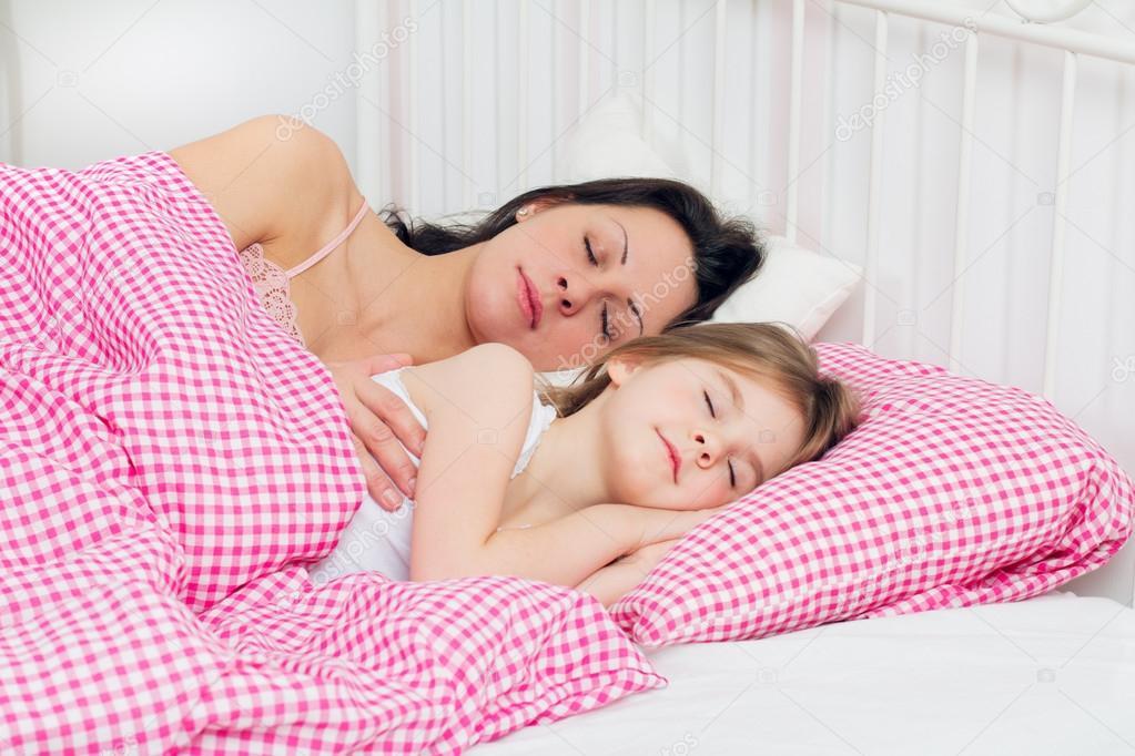 эротика дочки и мамы фото № 581697 бесплатно