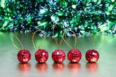 Cinco bolas de navidad — Foto de Stock