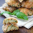 Scones with basil and parmesan — Stock Photo #31888145