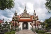 Prachtige thaise tempel, tempel in bangkok, thailand — Stockfoto