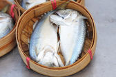 Fish for sale in a basket — Stockfoto