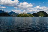 Kilise ile bled gölü. — Stok fotoğraf