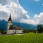 Mountain church, Julian Alps — Stock Photo #31238281