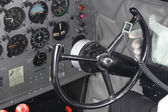 DC3 cockpit steering pilot — Stock Photo