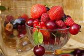 新鮮な夏の果実 — ストック写真