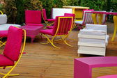 Mobília ao ar livre e jardim no convés. — Foto Stock