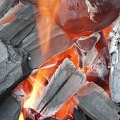 Burning Coals close-up — Zdjęcie stockowe