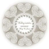 Invitation de mariage décorée de perles et coeurs de dentelle blanche — Vecteur
