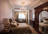 Rico e luxuoso penthouse interior — Fotografia Stock