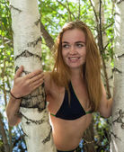 Beautiful girl on the nature, enjoying the stay — Zdjęcie stockowe