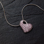 Chain with pendant jewelry heart — Stock Photo